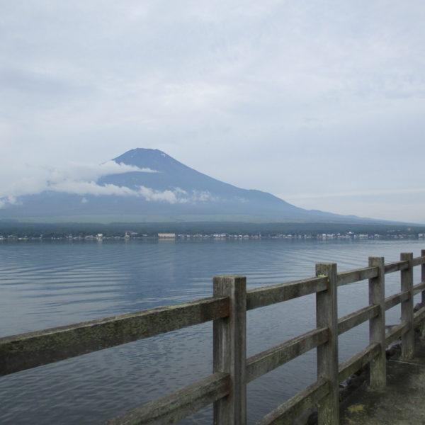 河口湖から撮影した富士山