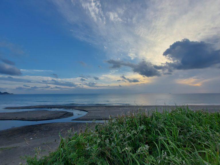 夕暮れ時の平砂浦海岸